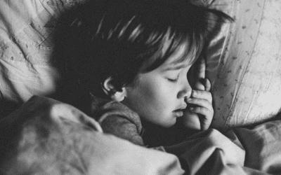 Help je kind de hele nacht ontspannen doorslapen